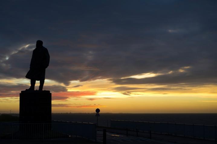 Batavia Lelystad en afsluitdijk lichtkunstproject 'Icoon Afsluitdijk' heeft de kunstenaar Daan Roosegaarde